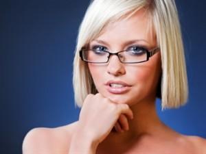 Как сочетать очки и макияж?